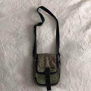 Columbia crossover purse!!